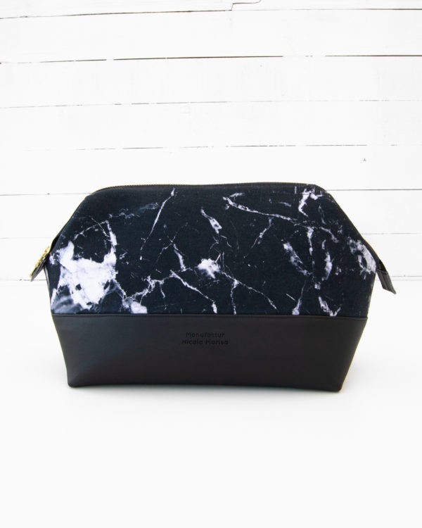 Nachhaltig produzierte Kosmetiktasche inf Marble Dark