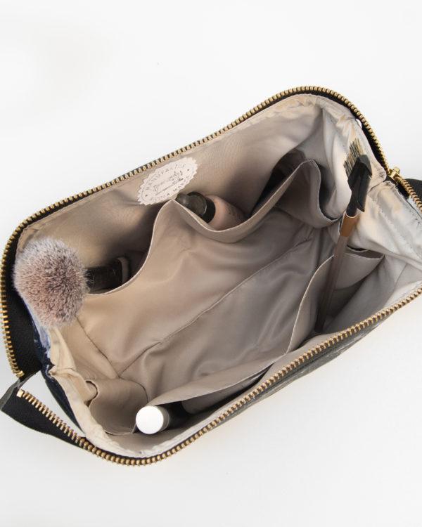 Kosmetiktasche-Kulturbeutel-Marble-Dark-Marmor-Schwarz-Slowfashion-Fairfashion-Manufaktur-Nicola-Marisa-Größe-M