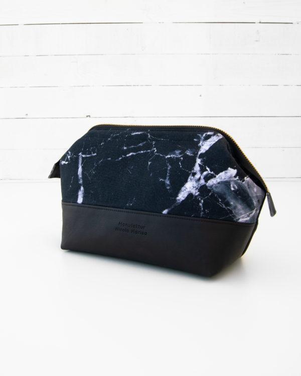 Kosmetiktasche-Kulturbeutel-Marble-Dark-Marmor-Schwarz-Slowfashion-Fairfashion-Manufaktur-Nicola-Marisa-Größe-M-3