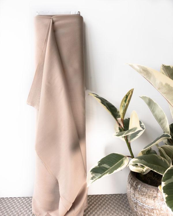 TENCEL™ SANDED TWILL - WARM SAND Meterware nachhaltiger Stoff beige Manufaktur Nähen Hosen Röcke Kleider