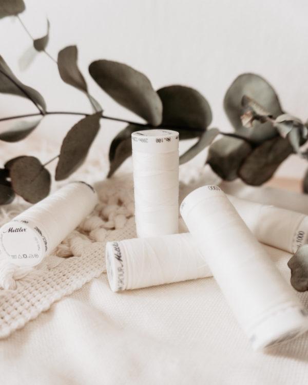 Nähgarn Amann Mettler No. 100 col. 1000 200 Meter creme weiß nachhaltige Mode nähen Manufaktur Nicola Marisa