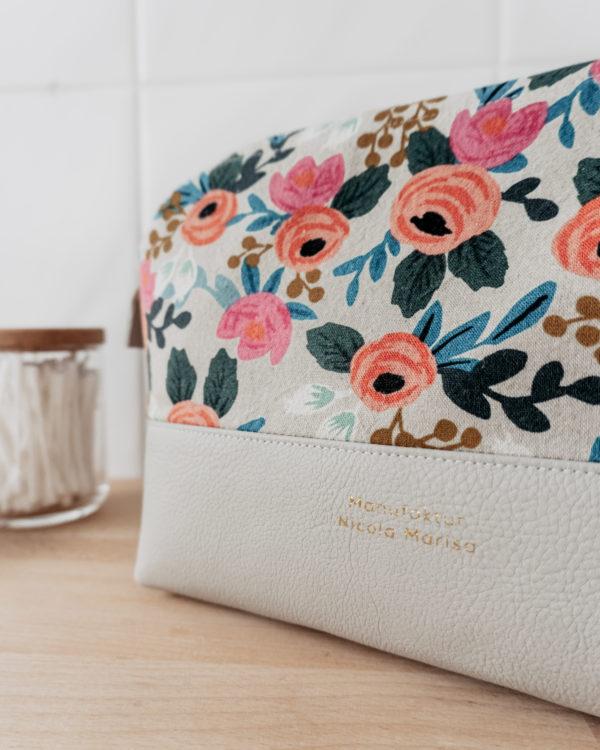 WILD ROSES nachhaltige Kosmetiktasche Kulturbeutel Größe L Bügeltasche Manufaktur Nicola Marisa (2)